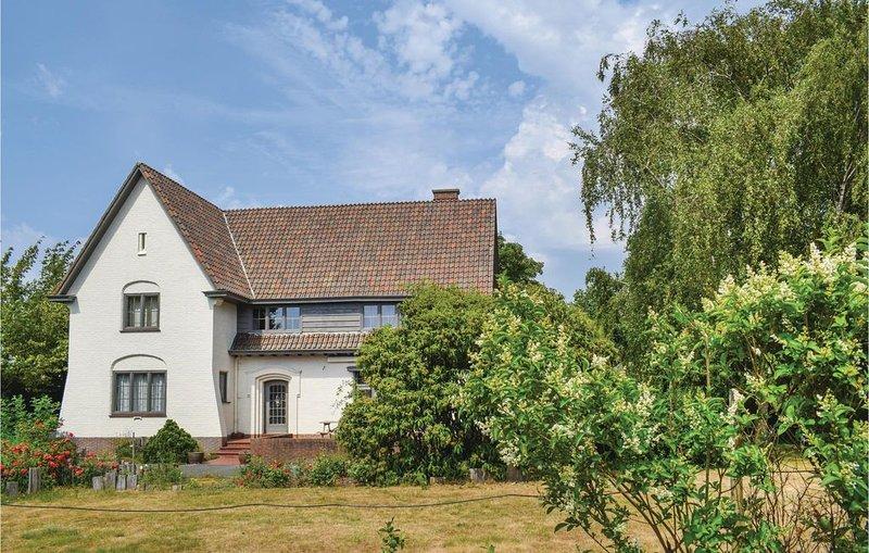 6 Zimmer Unterkunft in Poperinge, holiday rental in Westvleteren