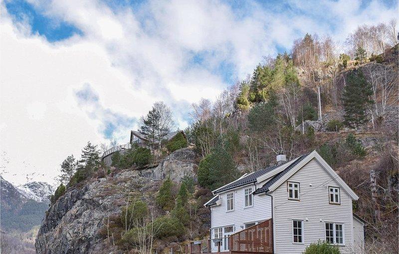 3 Zimmer Unterkunft in Markhus, casa vacanza a Kvinnherad Municipality
