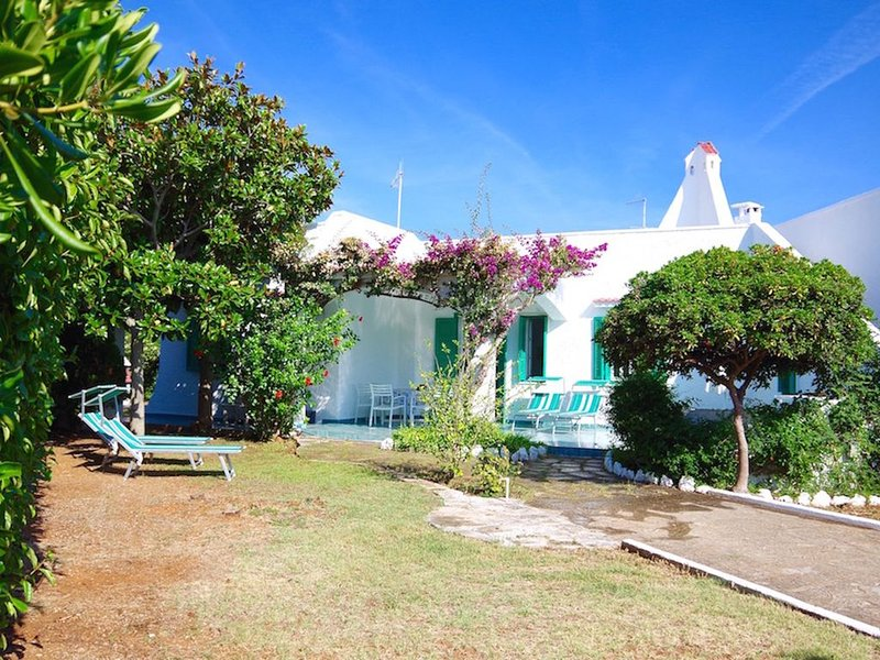 Exkl. lichtdurchflutetes Ferienhaus**** 250 m vom Meer, 2-6 P.,medit. Lebensstil, casa vacanza a Costa Merlata