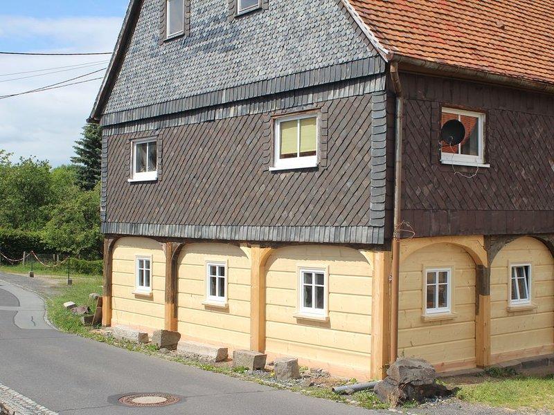 Liebe Gäste, unsere Ferienwohnung ist 85m² groß, bietet Komfort für 6 Pers., holiday rental in Polevsko