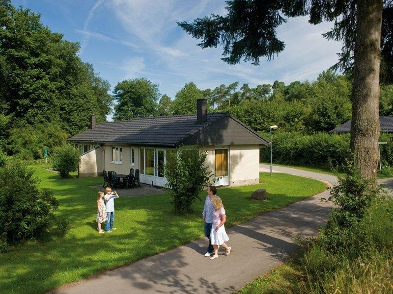 Komfort 6-Personen-Ferienhaus im Ferienpark Landal Sonnenberg, holiday rental in Waldrach