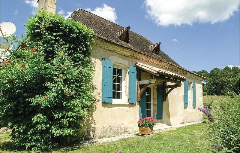 3 Zimmer Unterkunft in Laveyssiere, holiday rental in Saint-Jean d'Eyraud