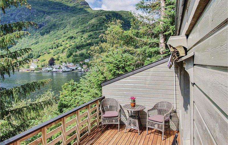 1 Zimmer Unterkunft in Bruvik, holiday rental in Eikelandsosen