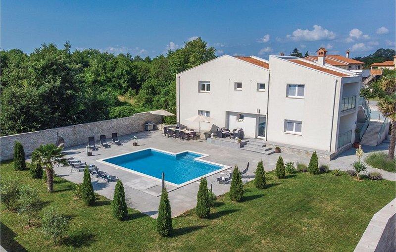 5 Zimmer Unterkunft in Nedescina, location de vacances à Jurazini