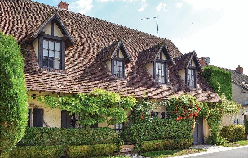 2 Zimmer Unterkunft in Lye, vacation rental in Chatillon-sur-Cher