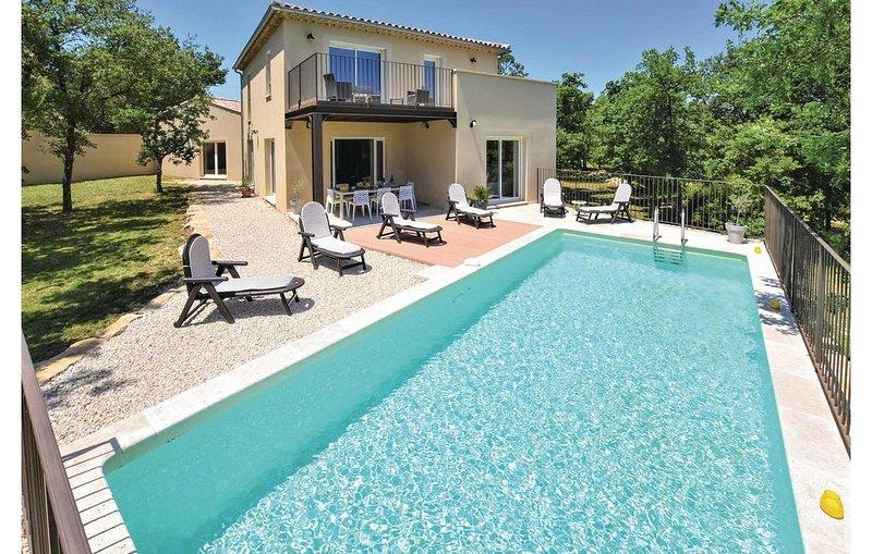 4 Zimmer Unterkunft in La Roque sur Pernes, casa vacanza a Le Beaucet