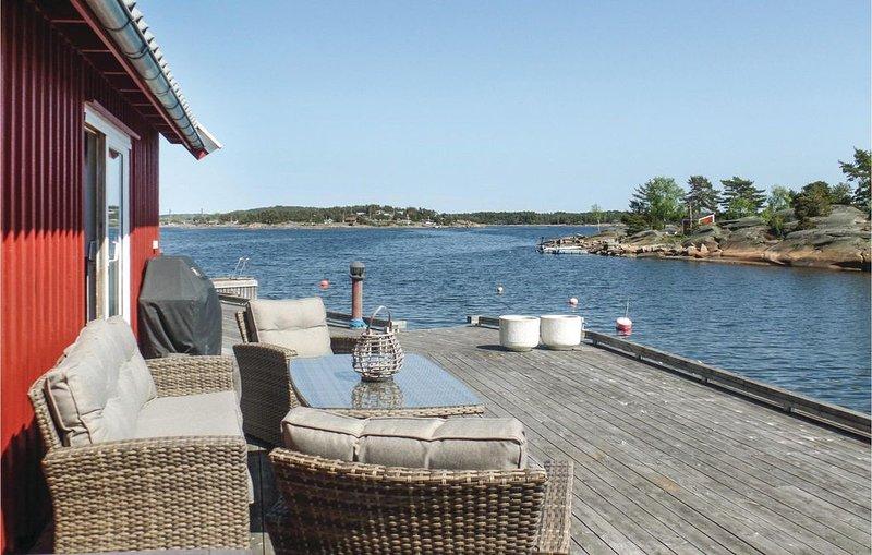3 Zimmer Unterkunft in Vesterøy, vacation rental in Ostfold