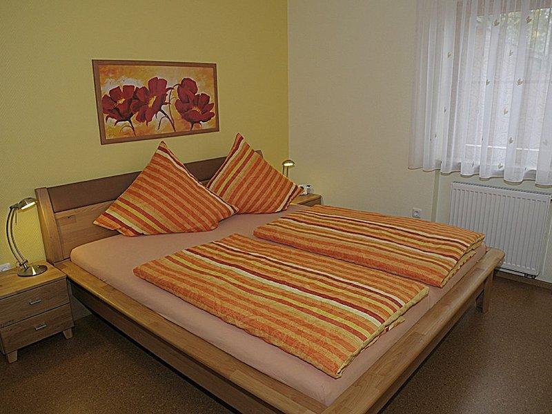 FeWo (40qm) mit Freisitz im Hof, Wohnküche und 1 Schlafzimmer, alquiler de vacaciones en Rottenbach
