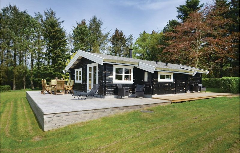 3 Zimmer Unterkunft in Spøttrup, casa vacanza a Hvalpsund