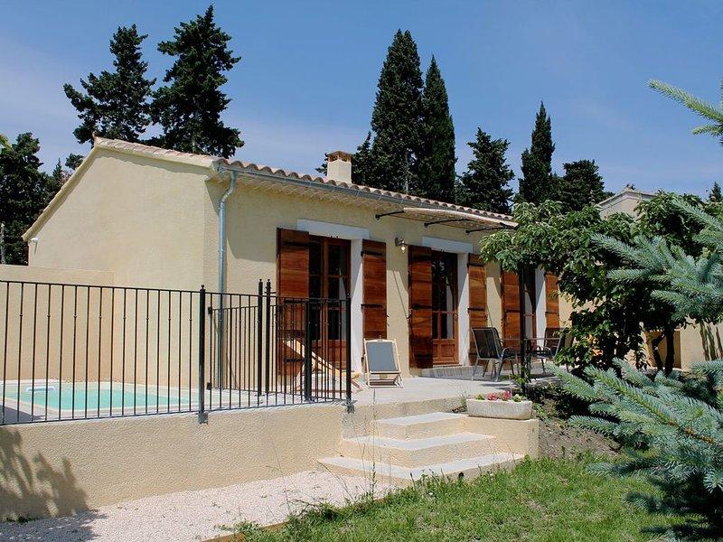 Ferienwohnung in einer Obstplantage nur 5 km von Isle-sur-la-Sorgue entfernt, holiday rental in Caumont-sur-Durance