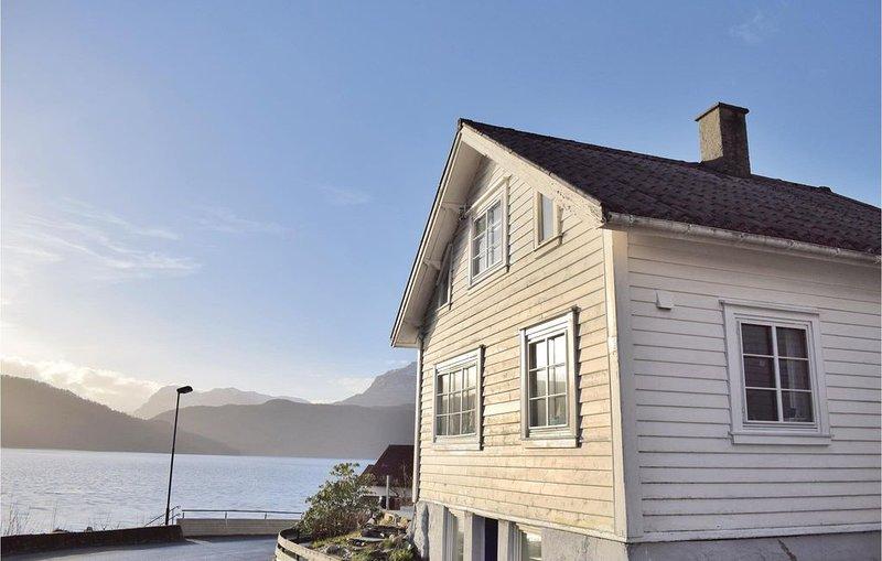 2 Zimmer Unterkunft in Sand, holiday rental in Vindafjord Municipality