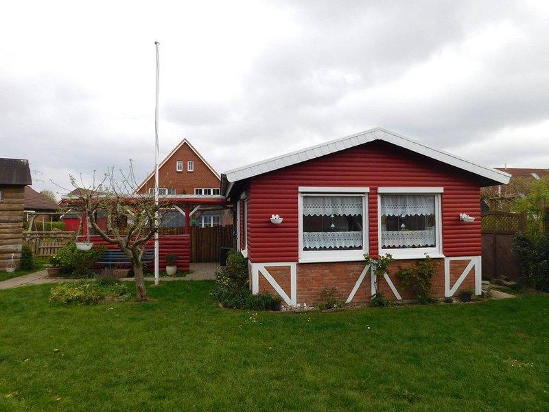 Liebevoll eingerichtetes  Ferienhaus in ruhiger Lage, aluguéis de temporada em Arnis