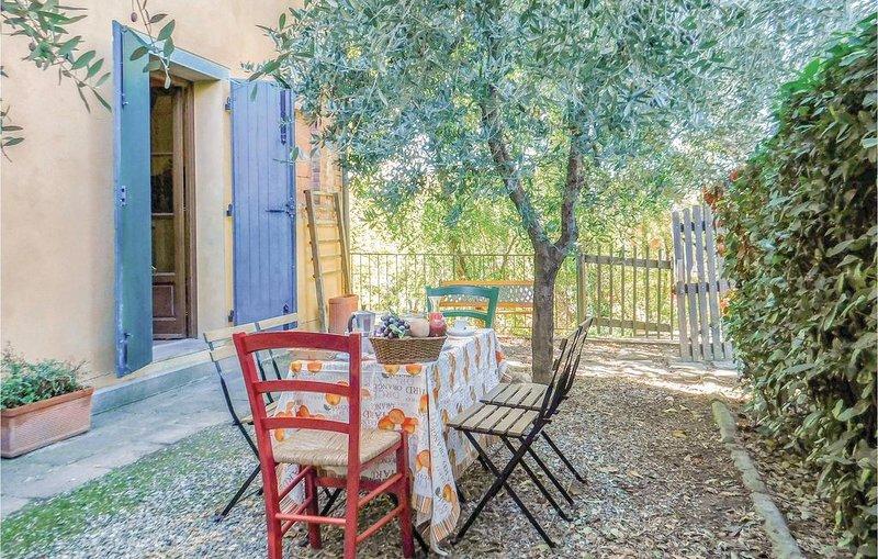 2 Zimmer Unterkunft in Montecastello -PI-, holiday rental in Montechiari