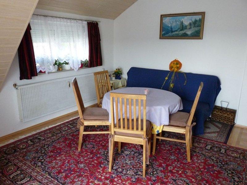 Feriendomizil Sattler, 70qm, 2 Schlafzimmer für 2-5 Personen, holiday rental in Sigmaringen