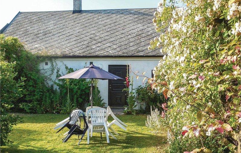 2 Zimmer Unterkunft in Ystad, holiday rental in Loderup