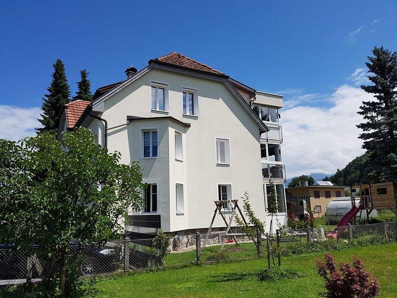 Schöne 4-Zimmer-Ferienwohnung in Feldkirch - zur Alleinbenutzung, holiday rental in Laterns