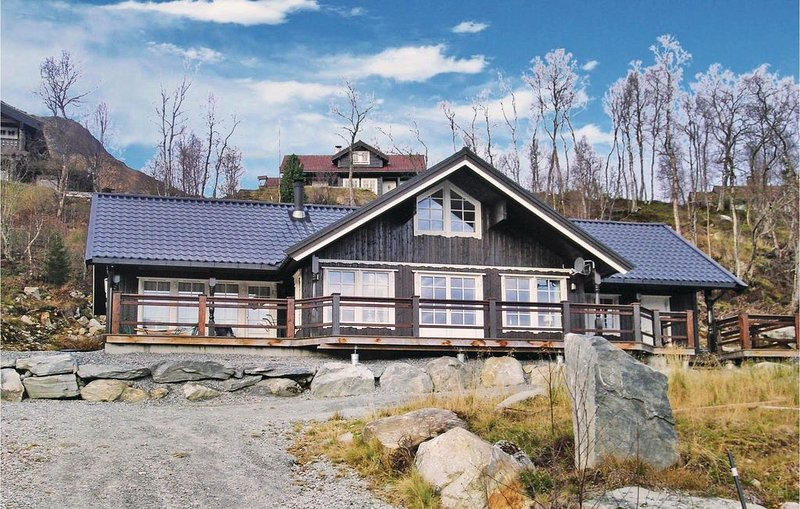 4 Zimmer Unterkunft in Straumgjerde, holiday rental in Vestnes Municipality
