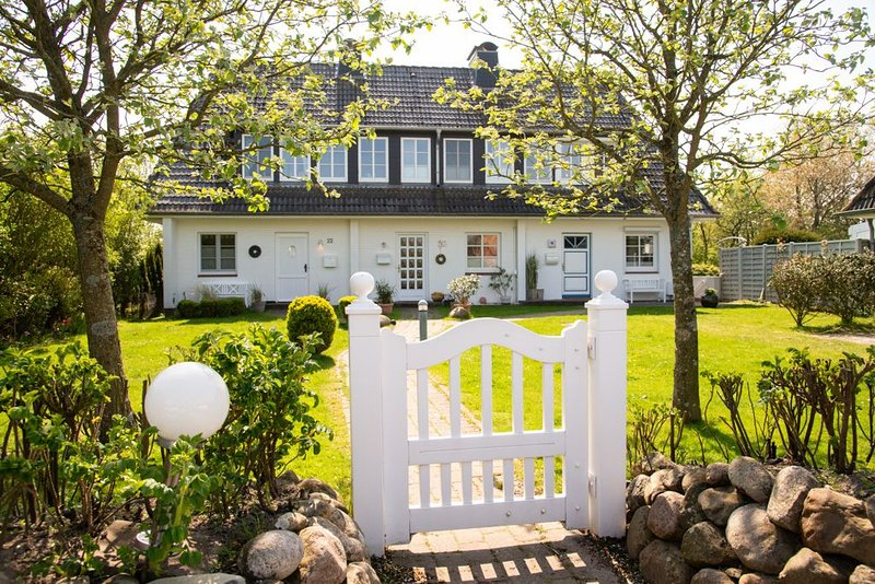 Ferienhaus auf Sylt in idyllischer Traumlage - Hunde willkommen!, location de vacances à North Friesian Islands