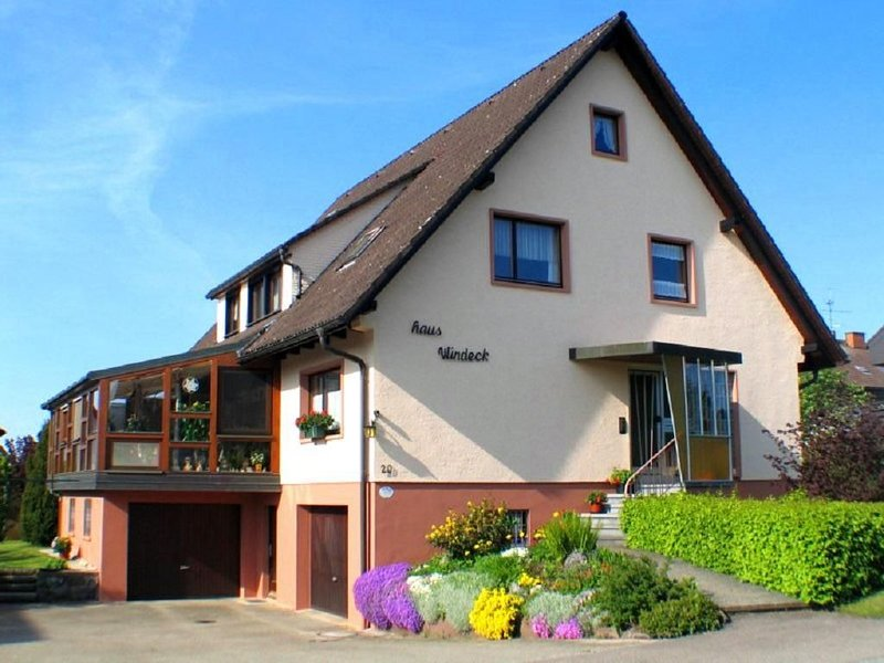 70 qm große Ferienwohnung in Rötenbach bei Titisee-Neustadt, location de vacances à Unterbrand