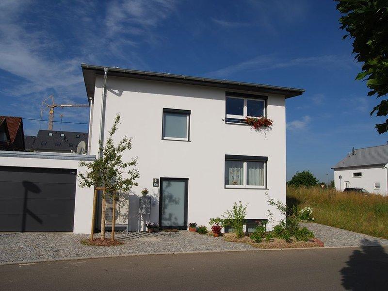 Schadstofffreies Apartment für max. 2 Personen,  bevorzugt  Wochenendpendler, aluguéis de temporada em Leinfelden-Echterdingen