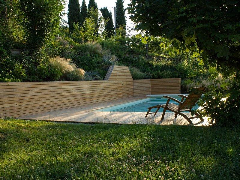 Romantisches Hideaway mit fantastischem Garten und versteckt gelegenem Pool, holiday rental in Mondavio
