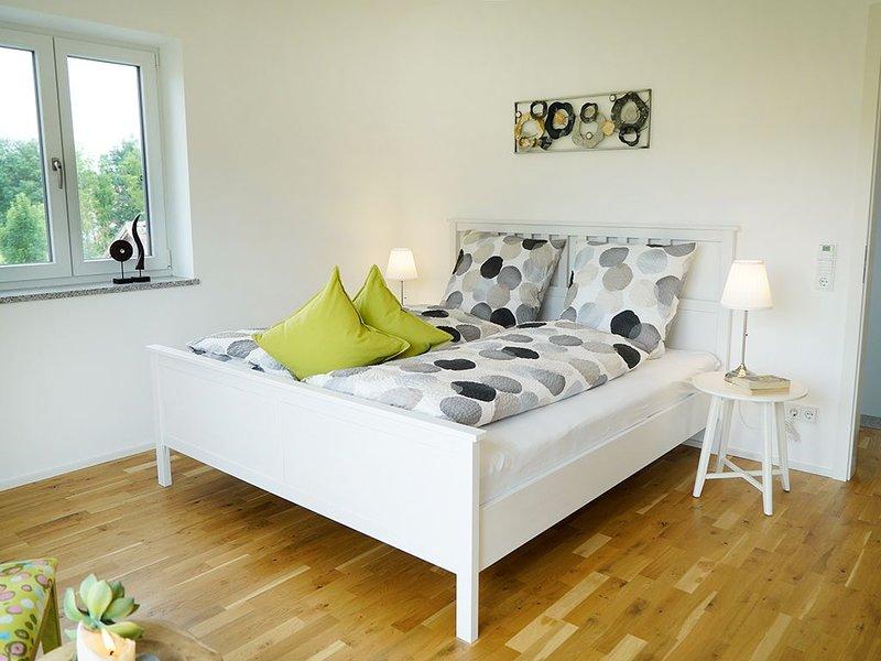 Modernes Feriendomizil mit großer Terrasse, vacation rental in Eggenfelden