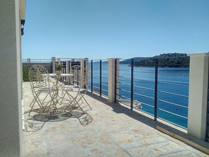 Traumhafte Bucht. Traumhafte Ferien. Direkt am Wasser., alquiler vacacional en Vinisce