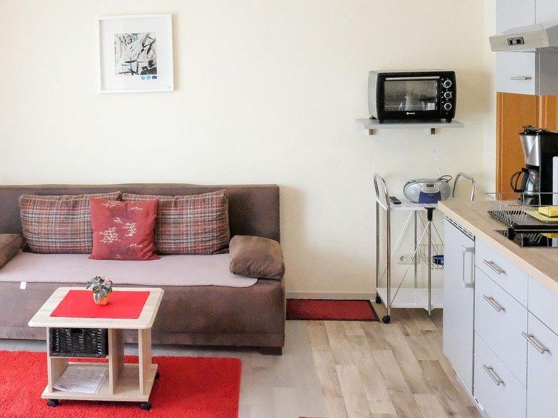 Ferienwohnung Anna-Lea (A), 40qm mit 1 Schlafzimmer für maximal 3 Personen, holiday rental in Langenargen