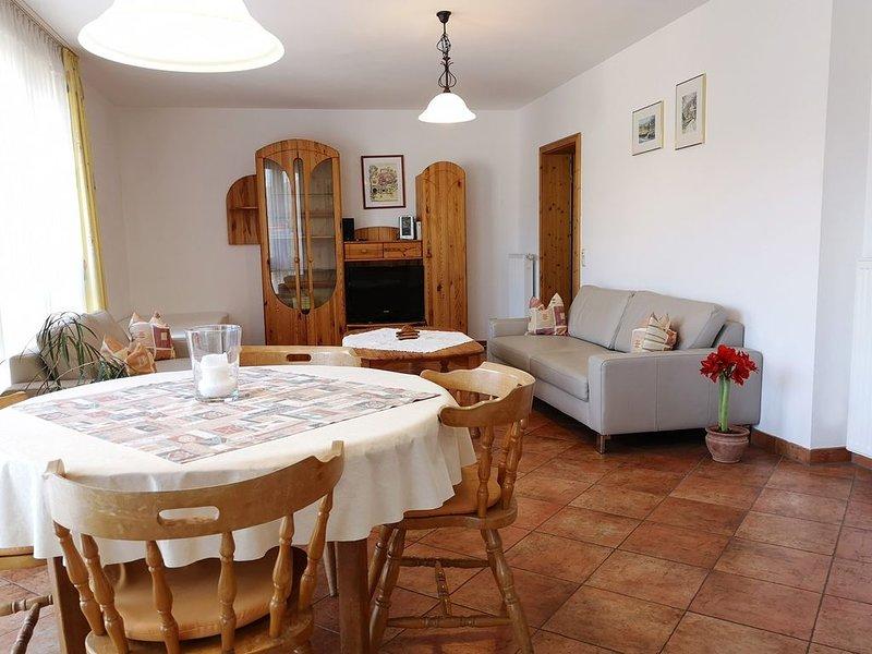 Ferienwohnung 90 qm mit Platz für bis zu fünf Personen, mit Bootsanlegeplatz., location de vacances à Schollbrunn
