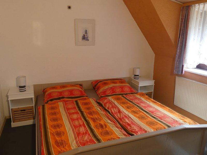 85qm große Ferienwohnung im Stadtteil Löpsingen mit eigenem Balkon, holiday rental in Dinkelsbuhl