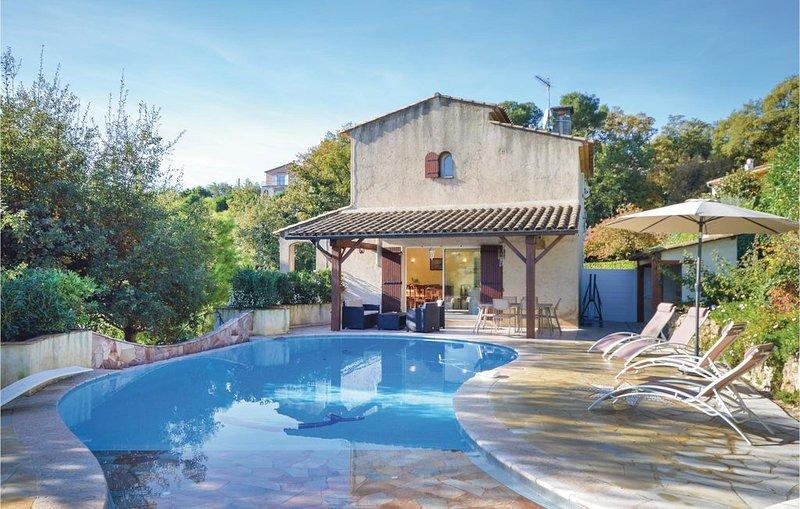 3 Zimmer Unterkunft in La Gaude, holiday rental in La Gaude