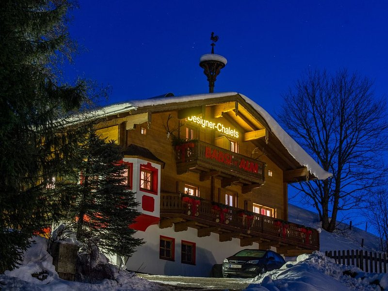 Luxus Apartment C direkt neben der Skipste, location de vacances à Maria Alm