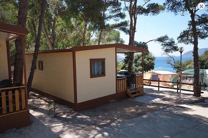 Ferienhaus - 7 Personen*, 36m² Wohnfläche, 3 Schlafzimmer, Internet/WIFI, holiday rental in Lido di Capoliveri
