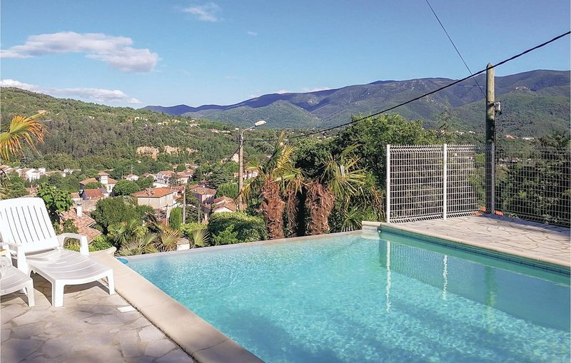 4 Zimmer Unterkunft in Lamalou les Bains, aluguéis de temporada em Combes