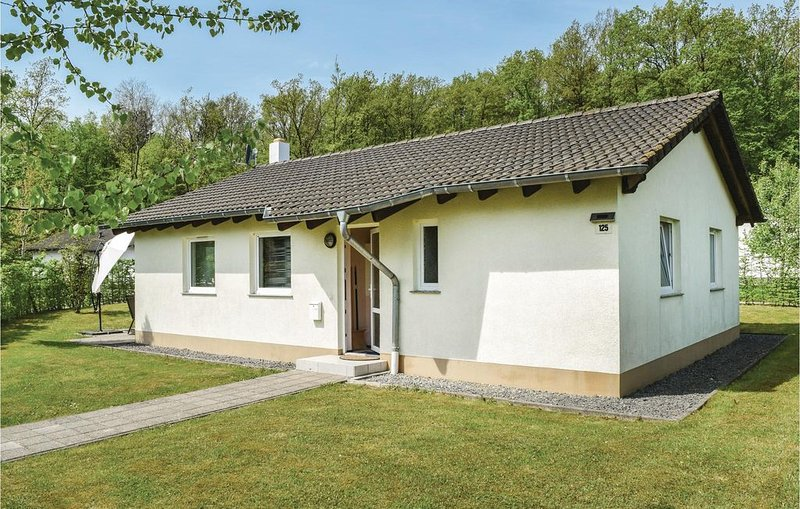 3 Zimmer Unterkunft in Gerolstein/Hinterhaus., holiday rental in Densborn