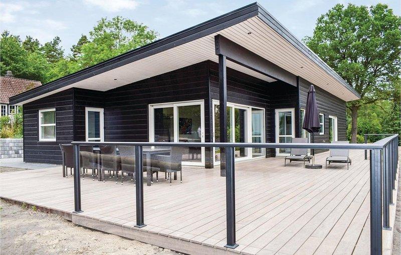 5 Zimmer Unterkunft in Ebeltoft, holiday rental in Foelle Strand