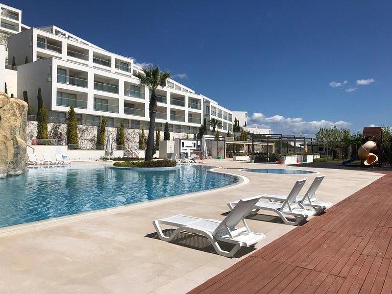 Penthouse in Ferienkomplex 'Horizon Sky' mit sensationeller Ausicht -Milas/Mugla, holiday rental in Kiyikislacik