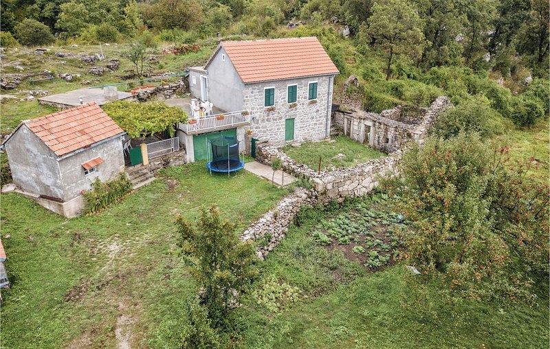 2 Zimmer Unterkunft in Herceg Novi, location de vacances à Dubravka