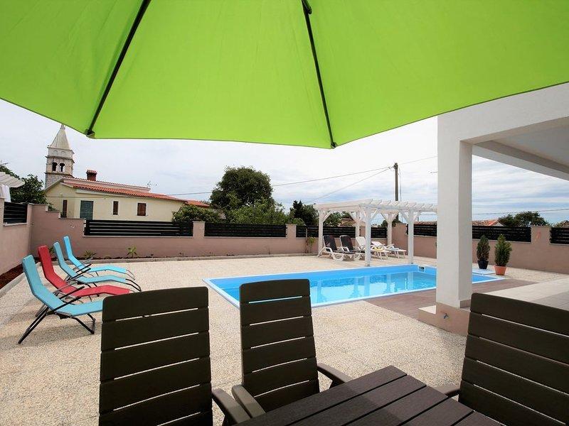 New with private Pool+sea view, 9 Person, casa vacanza a Krnica
