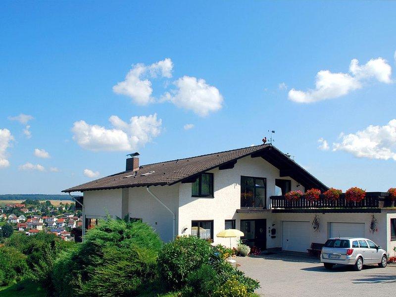 Haus Fernblick*** Bad König, ruhige Lage, Thermalbad, Kur, WLAN, LCD-TV, holiday rental in Obernburg