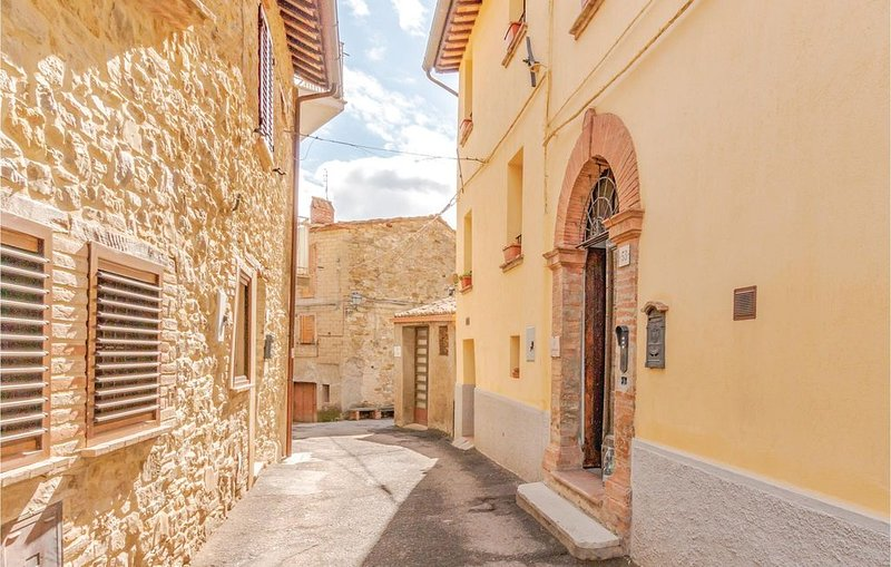 2 Zimmer Unterkunft in Montepetriolo -PG-, vacation rental in Colle San Paolo