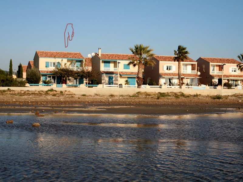 ,Freistehendes  Ferienhaus direkt a. Sandstrand,Garten, WLAN,Garage,, holiday rental in Gruissan