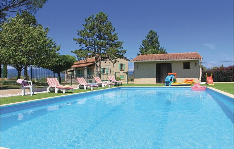 3 Zimmer Unterkunft in Beaulieu, aluguéis de temporada em Berrias et Castejau