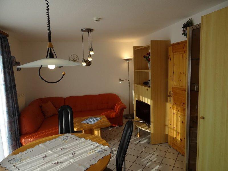 Fewo 8 Haus Neustein mit sehr schönem Blick auf die Ostsee und Kieler Förde, vacation rental in Laboe