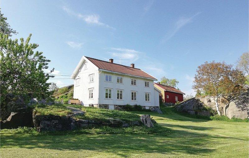 4 Zimmer Unterkunft in Stabbestad, casa vacanza a Sundebru