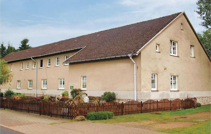 8 Zimmer Unterkunft in Mirow, holiday rental in Hohenzieritz