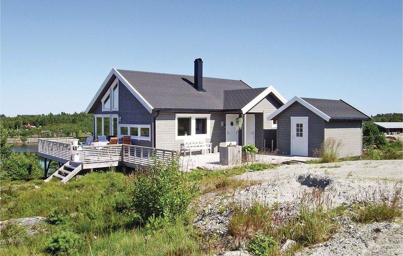 2 Zimmer Unterkunft in Tustna, holiday rental in Møre og Romsdal