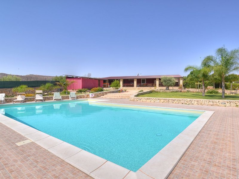 PISCINA PRIVATA - ARIA CONDIZIONATA - WIFI, location de vacances à Floridia