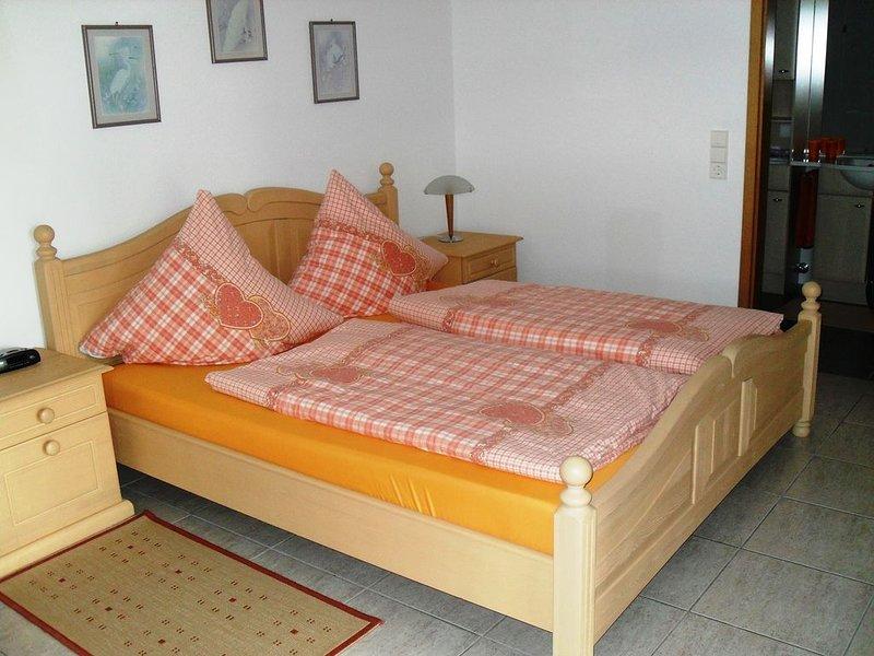 Traumhaft schöne Ferienwohnung mit Vollausstattung im Landhausstil, Ferienwohnung in Bürchau