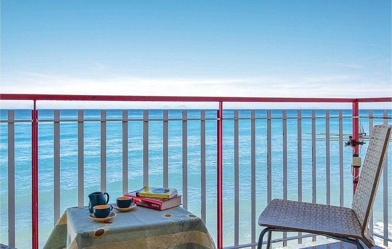 3 Zimmer Unterkunft in Caronia Marina ME, vacation rental in Acquedolci